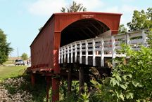 The Covered Bridge Festival, Madison County, Iowa / The Covered Bridge Festival in Madison County, Iowa takes place the second full weekend of October every year in the town of Winterset.