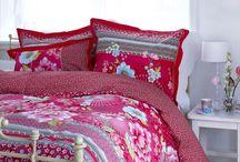 Pościele / Sypialnia jest pomieszczeniem, w którym powinna panować harmonia i komfort sprzyjający odpoczynkowi. Jednym z elementów, który pomaga odpocząć i odzyskać siły po ciężkim dniu jest pościel bawełniana. Sklep internetowy Cotton Lovers przygotował dla Państwa wspaniałą kolekcję ekskluzywnych pościeli PiP Studio, Covers & Co., Mar O'Polo innych marek w atrakcyjnych cenach.