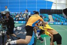 Thais badmintonduo op de vuist (video)