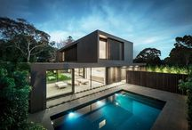 Maison Design avec Piscine / Découvrez une sélection des plus belles maisons design intégrant une piscine classique, à débordement ou sur le toit d'une maison. Ces articles vous apporteront des idées et de l'inspiration pour créer une piscine extérieure dans votre jardin.