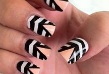 Nails ! OMG ...
