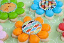 Decorated Sugar Cookies Using Buttercream