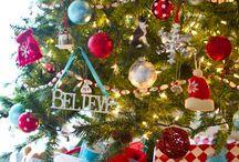 Christmas | 2020 Retro / Retro 50's fun, bright ornaments on white tree