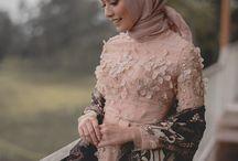 gaun dan kebaya