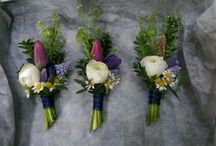 Buttonholes, corsages and wedding accessories.