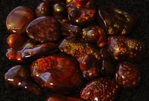 Fire Agate Gemstone Collection / It's all about Fire Agates Gems. A selection of Fire Agate gemstones brought to you by Fire Agate US, dedicated to providing information and awareness of quality fire agate gems, high grade gemstone rough, fire agate jewelry and mineral specimens. Fire Agate US is owned and operated by Maricopa Mining.