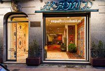 Exposición Colecciones Shiva, Suzani y Mamluk / Nuestra tienda presenta la exposición de alfombras con historia. Tres colecciones: Shiva, Suzani y Mamluk. #alfombrashamid #alfombras #carpets #shiva #suzani #mamluk
