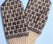 Finnish mittens / Finnish mittens in museum collections.