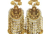 Jewellery - All That Glitters Is Gold. / by Tamessa Harris-Bedford