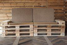 Arredo Pallet / ARREDOPALLET.COM™ è oggi un Atellier di Designer e produzione di arredi originali e firmati dall'azienda, integralmente realizzati dai materiali di scarto dei Pallet rigenerati.