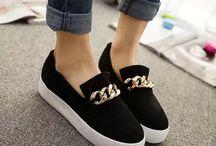Zapatos Todo Tipo •