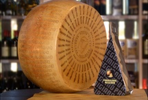 Our Italian gourmet cheese / Best italian cheeses from parmigiano reggiano to pecorino, brought to you to let you taste the real italian flavour and gourmet food.