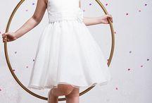 Vintage/ Retro mode voor bruidskinderen / Het is helemaal hip om terug te gaan in vervlogen tijden. De jaren 30, 40, 50 en 60 komen in de kleding weer helemaal terug. Ook bij Corrie's bruidskindermode.