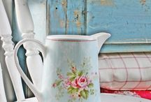 Country Style / Pretty florals, polka dots, ginghams and stripes