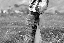 Costum popular romanesc