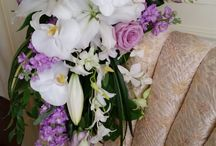Tropical Wedding Flowers / Tropical flowers for a Milwaukee wedding?  Why not?! Our arrangements will bring the islands to you. More information on wedding consultations here : http://bit.ly/2xo4FCc