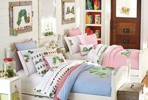 Shared Bedrooms for kids / by Wendi Knight