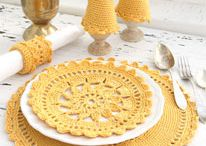 Placemats / I adore placemats, they remind me of my grandmother's house. Step it up a notch with DIY placemats.