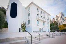 BLP / Exposition Richard Artschwager ! au NMNM – Villa Paloma du 20 février au 11 mai 2014, le Nouveau Musée National de Monaco présente une installation de BLPs dans la ville.