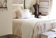 Guest bedroom / by Parker Brody