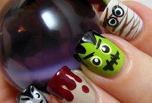 Halloween nail art