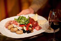 Essen & Genießen  / Wir stellen Ihnen Köstlichkeiten an Bord unserer Schiffe vor, die garantiert Lust auf Meer machen!