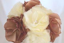 Mariage - Créations originales / Créations originales en tissu par l'atelier du petit oiseau : bouquet de mariée, porte-alliances, accessoires de coiffure, boutonnières, décoration, ...