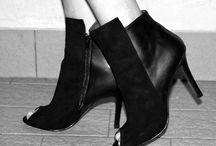 nila&nila: ankle boots FW2014 // Elisabetta Bertolini's photoshoot / nila&nila shoes and bags  www.shop.nila-nila.com  Elisabetta Bertolini's photoshoot for nila&nila #FW2014 Hazel Boots  READ MORE: http://www.elisabettabertolini.com/2014/10/my-stripes-time.html