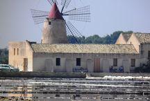 Luoghi da visitare a Trapani e provincia / Le immagini della seguente bacheca raffigurano i luoghi principali che proponiamo di visitare durante una vacanza in provincia di Trapani