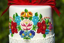 magyar motívú torta