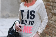 SweatShirts Fashion / Style your casual clothes with different styles of fashion sweatshirts this winter! This versatile attire is perfect for layering, keep you comfortable and provide added warmth during the chilly season.