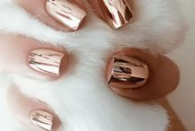 Manicure Trend - Chrome Nails
