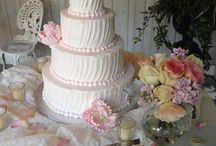 WEDDING CAKES / Not just traditional wedding cakes