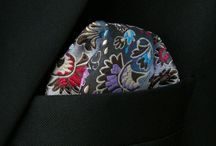 POCH042 / Look inspiration for our Multicolor Floral Pocket Square: http://www.mightygoodman.nl/nl/english-fashion-pochet-multicolored-floral-patroon.html