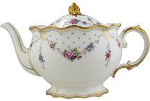 teapot / porcelán