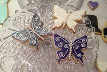 Wedding Iced Biscuit Favours / Delicious iced biscuits for weddings or special occasions in bespoke designs