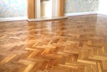 Dust free Floor Sanding Somerset / Specialist wooden floor refinishing and resanding specialists. 5 star. Parquet, Douglas fir , Oak. Domestic and commercial.