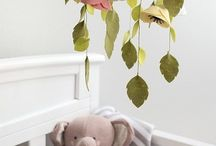 Baby DIY Projects / Baby DIY projects. Perfect for mamas who are nesting! #expecting #pregnancy