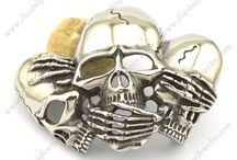 BELT BUCKLE / If you are looking for an impressive #beltbuckle featuring a life cast huge skull with all the crisp, original detail, not enhanced, not carved: this is the one. Get this in #zuobisi Jwelery.