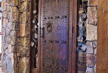 Πόρτες.