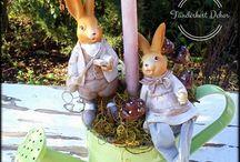 Tavaszi asztaldíszek / Ilyen az, mikor dekorkészítés közben egymásba szeretnek a nyuszik, így egy helyett rögtön kettő kerül a tojásfa tövébe :)