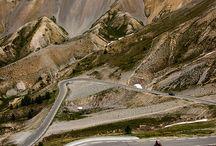 Знаменитые перевалы и дороги