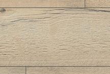Parchet laminat Egger Vintage Collection / Arată ca un parchet frumos din lemn si exact asa se si simte. Decorurile calde si luminoase ale parchetului laminat vintage din colectia Vintage de la Egger imita toate esentele de lemn. Modelele au aspect uzat si cu zgarieturi, au o poveste de spus. Cu ajutorul acestor decoruri se poate realiza o atmosfera intima si calda sau una originala. Decorurile de parchet laminat vintage se armonizeaza perfect cu piesele vechi, de mobilier si cu disignurile si stilurile clasice de amenajare.