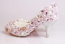 chaussure mariage / une paire de chaussures soirée tout aussi raffinée et précieuse est nécessaire pour votre robe formelle, telles que les chaussures soirée formelles à talons hauts