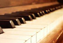 """Fotos sobre """"La música"""" / La música es sinónimo de libertad, de tocar lo que quieras y como quieras, siempre que sea bueno y tenga pasión, que la música sea el alimento del amor."""