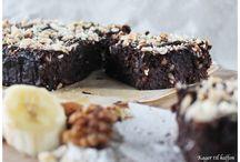 Sund brownie med dadler banan nødder kokos