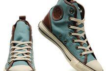 Παπούτσιαι