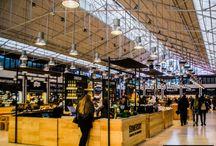 Mercado da Ribeira w Lizbonie / Lizbona i Mercado da Ribeira, czyli ogromny targ rybny i warzywny oraz hala gastronomiczna, swoiste sacrum i profanum jedzenia w Lizbonie. Więcej na: http://infolizbona.pl/mercado-da-ribeira-w-lizbonie-przewodnik/ i http://infolizbona.pl/mercado-da-ribeira-targ-lizbona-fotografie/