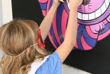 Projectkamp | Alice in Wonderland / We gaan op avontuur met Alice, de kat en de hoedenmaker. We bereiden onze eigen confituur, maken wonderlandkoekjes en dekken onze tafel met kroontafelkaartjes. We brouwen siroopjes, schrijven geheime boodschappen op servetten en spelen met de tijd. Kom binnen in de wonderlijke wereld van Alice, waar niets is wat het lijkt…