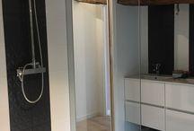 Portes et Pares-douches / Nous vous proposons des solutions complètes pour les portes et les parois de douches .